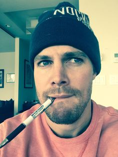 Stephen Amell has landed a new role! The Arrow star has joined Megan Fox and Will Arnett in Teenage Mutant Ninja Turtles Stephen will play Casey Jonesin the movie sequel. Stephen Amell Arrow, Arrow Oliver, Arrow Cast, Arrow Tv, Green Arrow, The Cw Shows, Tv Shows, Toronto, Team Arrow