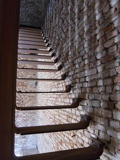 LUV the open steps so you can see the beautiful brick!!!