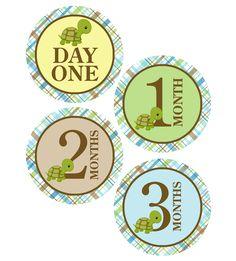 FREE monthly milestone printable sticker PDF, #monthbymonth, #babymilestone, #oneiestickers