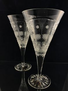 Hand cutted crystal glasses with possibly to engraved.
