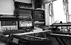 Studio with modular and outboard Dream Music, Dj Music, Music Is Life, Music Studio Room, Sound Studio, Studio Gear, Studio Setup, Piano, Recording Studio Design