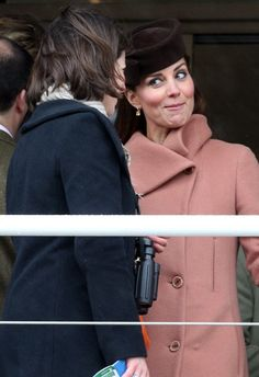 Catherine, Duchess of Cambridge speaks with a fellow racegoer as they watch the races on Gold Cup Day at Cheltenham Racecourse on the fourth and final day of the Cheltenham Festival 2013 on March 2013 in Cheltenham, England. Princess Kate Middleton, Kate Middleton Photos, Kate Middleton Style, Prince William And Catherine, William Kate, Princess Mary, Princess Charlotte, Princess Katherine, Duchesse Kate