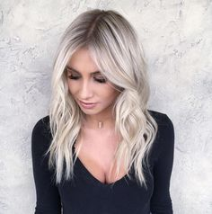 Babylights w/ smudged root for this blonde babe 👸🏼💕 Balayage , Platinum Blonde Balayage, Icy Blonde, Platinum Hair, Babylights Blonde, Bayalage, Platnium Blonde Hair, White Blonde Highlights, Bright Blonde, Bright Hair