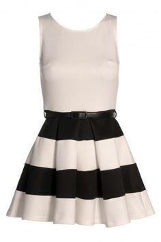 contrast skater dress  Skater Dress cute #summerdress#casualoutfit #sunayildirim  #SkaterDress #Skater #Dress #newdress www.2dayslook.com