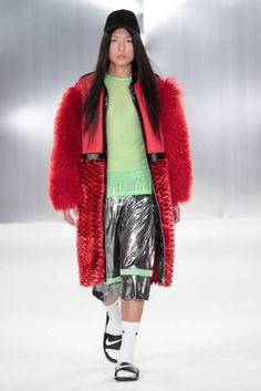 See all the Collection photos from De Montfort University Spring/Summer 2015 Ready-To-Wear now on British Vogue Oversize Coat, Red Faux Fur Coat, De Montfort University, Vintage Coat, Vintage Bags, Textiles, Denim Coat, Spring Summer 2015, Outerwear Women