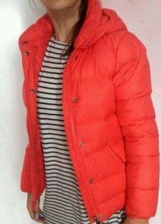 Kup mój przedmiot na #vintedpl http://www.vinted.pl/damska-odziez/kurtki/14477133-kurtka-nike-brzoskwiniowa