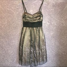Formal party dress Only worn once . Perfect condition . Cute dress for a birthday party or wedding✨ Dresses Wedding