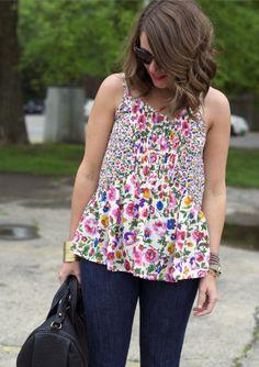 Adorable floral top.