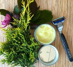 The best DIY projects & DIY ideas and tutorials: sewing, paper craft, DIY. Natural & DIY Skin Care : Make this soothing DIY aftershave Lotion. Makes a great father's day gift! Natural Face Moisturizer, Homemade Moisturizer, Face Scrub Homemade, Natural Exfoliant, Homemade Facials, Moisturizer For Dry Skin, Homemade Face Masks, Homemade Skin Care, Diy Skin Care