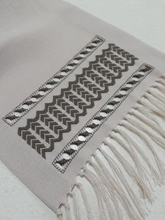 Bargello, Salons, Cross Stitch, Straight Stitch, Embroidered Towels, Ideas, Hardanger, Needlepoint, Lounges