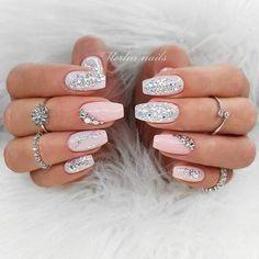 Glitter Nails Nudę Glitter Nails Color With diamond decoration fake nails Shiny candy carnival style, many colors.Nudę Glitter Nails Color With diamond decoration fake nails Shiny candy carnival style, many colors. Red Sparkly Nails, Pink Glitter Nails, Rhinestone Nails, Rhinestone Nail Designs, Nail Pink, Glitter Balloons, Silver Nail, Glitter Nail Art, White Glitter