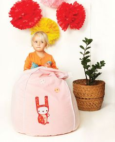 Oh so cute, Happy Bunny bean bag in pink!
