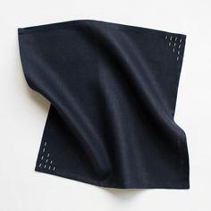 Navy Linen Napkins - Set of 4 #napkins #linennapkins #tableware #linen #linentableware