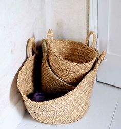 Spanish Shopping Basket €19.95 Light and flexible palm basket handcrafted in Spain to keep or carry bulky things or going shopping. Perfect for the beach or for strolling in the city #Spanish #Crafts
