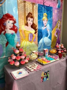 The charming Disney Princess Birthday Party Theme Princess Birthday Party Decorations, Disney Princess Birthday Cakes, Princess Theme Party, Kids Party Decorations, Disney Birthday, Birthday Party Themes, Ideas Party, Disney Themed Party, 3rd Birthday