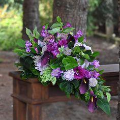 Dekoracja nagrobna z kwiatów sztucznych, najwyższej jakości. Cemetery Flowers, Funeral, Flower Arrangements, Bouquet, Bridal, Plants, Floral Arrangements, Bouquet Of Flowers, Bouquets