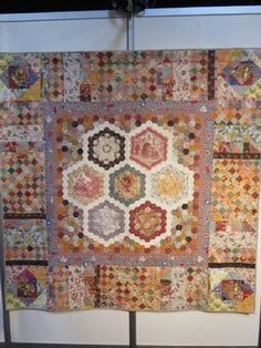 Oh, Oh, Quilts!: Just a few quilty things.  Anna Levens quilt