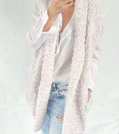 Big collar with pockets Kiro by Kim gilet knit