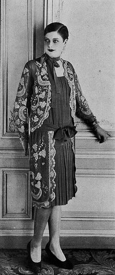 Les Modes (Paris) february 1928 robe d'apres-midi par Marthe Wingrove