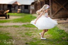 Φόρεμα βάπτισης Vinte Li 2902 μαζί με κορδέλα για τα μαλλιά, annassecret Girls Dresses, Flower Girl Dresses, Wedding Dresses, Fashion, Dresses Of Girls, Bride Dresses, Moda, Bridal Gowns, Alon Livne Wedding Dresses