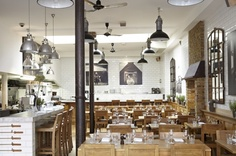 Located in Chelsea Tom's Kitchen is one of the best places for brunch in London. Great bloody marys!