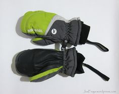 ROSSIGNOL Kids Ski Mittens $50 Part Of Hand, Kids Skis, Winter Wear, Mittens, Baby Car Seats, Skiing, 50th, How To Wear, Accessories
