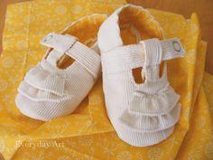 Lemon Meringue Baby Shoes Pattern Available!