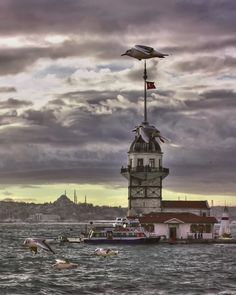 MAIDEN 'S  TOWER    -  ISTANBUL by gülnur  vural on 500px