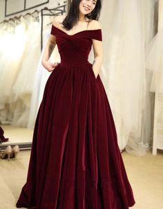 Beautiful Off Shoulder Velvet Long Party Dress, Elegant Prom Dresses 2019 on Luulla Elegant Party Dresses, Red Wedding Dresses, Prom Party Dresses, Pretty Dresses, Evening Dresses, Formal Dresses, Red Velvet Dress, Velvet Color, Vetement Fashion