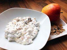 Frühstück ist für mich der beste Teil des Tages! Ich bin ein riesiger Oatmeal-Fan, aber der Frühling rückt immer näher, und wenn die Tage heißer werden, ist eine warme Speise nicht immer das Richti…