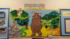 The gruffalo display, done by kids at school. Display Boards Nursery Baby, Classroom Display Boards, Display Boards For School, School Library Displays, Class Displays, Classroom Displays, Gruffalo Eyfs, Gruffalo Activities, Fairy Tale Activities