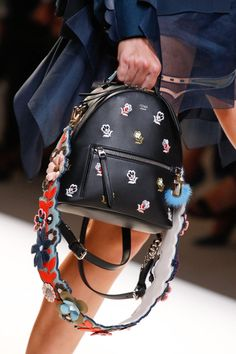 Fendi Spring 2017 Ready-to-Wear collection by Silvia Venturini Fendi and Karl Lagerfeld Fall Handbags, Chanel Handbags, Purses And Handbags, Chanel Bags, Fashion Bags, Fashion Backpack, Fashion Trends, Fendi Backpack, Women's Fashion