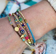 Starting A Jewelry Design Business – Fashioned Jewelry Seed Bead Jewelry, Cute Jewelry, Beaded Jewelry, Handmade Jewelry, Seed Beads, Geek Jewelry, Jewelry Necklaces, Daisy Bracelet, Evil Eye Bracelet