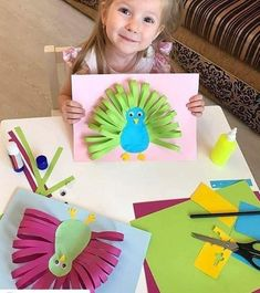 25 colorful crafts that can be created with little paper! - Crafts - Tips and Crafts Animal Crafts For Kids, Diy Crafts Hacks, Fun Crafts For Kids, Diy Home Crafts, Preschool Crafts, Diy For Kids, Diy Para A Casa, Grandma Crafts, Color Crafts
