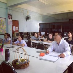 GO ED. Students take part in English lessons with Lahu students - today we learned how to read days of the week. #globaleducation #studyabroad #TESOL