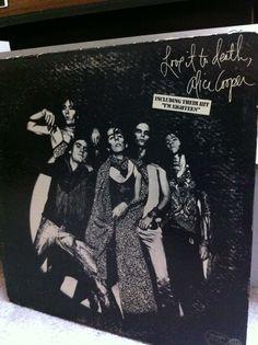 Snake Oil Recording's Morning Listening - Alice Cooper - Love It To Death  #rva #rvamusic #recording #vinyl #studio #audio #records #rock #alicecooper #glamrock  Http://www.snakeoilrecording.com
