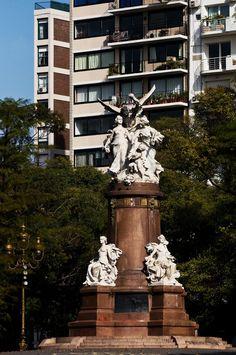 Monumento en Plaza Francia Homenaje de parte de Francia a la Argentina, Buenos Aires