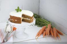 Esta receta de carrot cake tiene unos cuantos años, pero hasta ahora no había podido publicarla. Es muy sencilla y a quién la prueba le encanta.