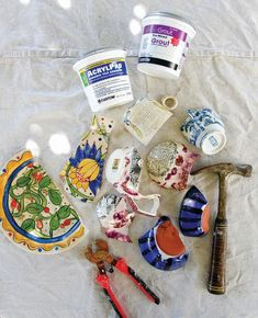 Mosaic Flower Pots · Extract from Crafting a Colorful Home by Kristin Nicholas · How To Make A Mosaic Vase Mosaic Vase, Mosaic Flower Pots, Pebble Mosaic, Mosaic Diy, Mosaic Crafts, Mosaic Projects, Mosaic Tiles, Mosaics, Gaudi Mosaic