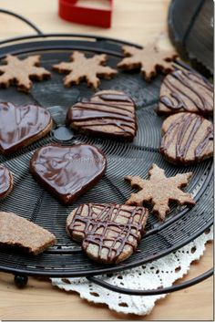 Delicious vegan & gluten free gingerbread cookies Gluten Free Gingerbread Cookies, Vegan Brownie, Cookie Bars, Vegan Gluten Free, Brownies, Cake, Desserts, Food, Christmas