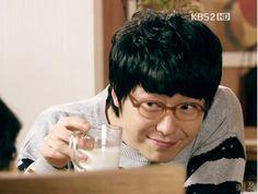 "Uhm Ki Joon :xxxx  teacher in Dream High and ""phantom"" in Ghost aiguuuu"