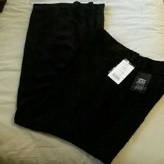 "NWT Black Raised Chevron Pattern Slacks Fully lined waist to ankle. Side zipper and clasp. 32"" inseam Etcetera Pants Trousers"