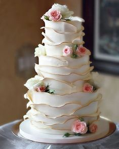 Unique Wedding Cakes The detailing is outstanding. Related posts: 42 Eye-Catching Unique Wedding Cakes Unique Wedding Cakes Photos 31 Unique Square Wedding Cakes to Add Your Weddings Creativity 55 Beautiful Wedding Cakes for Every Venue Unique Wedding Cakes, Beautiful Wedding Cakes, Gorgeous Cakes, Wedding Cake Designs, Pretty Cakes, Amazing Cakes, Japanese Wedding Cakes, Mini Wedding Cakes, Beautiful Flowers