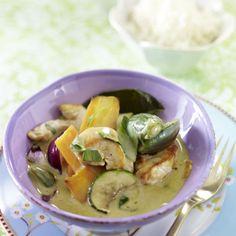 Thailändisches grünes Curry mit Hähnchen Rezept   LECKER