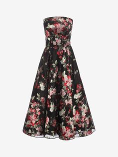 View the full collection of this seasons must have Women Dresses from iconic fashion designer Alexander McQueen. View the full collection of Women Dresses online.