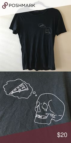 Brandy Melville pizza skull t shirt Skull with a thought bubble, he's thinking about pizzzzaaa 🍕🍕🍕 Brandy Melville Tops Tees - Short Sleeve