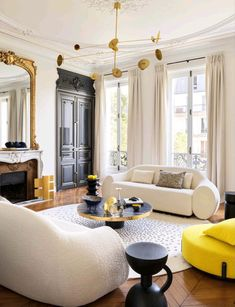 A perfect synthesis of classical French and contemporary boldness … Yes; it takes talent to combine both 😉 … by @girodrouxetdelpy #interiordesign #architecture #designinspiration #luxurylife #luxuryhomes #design #luxuryhomesmiami #Miami #fortlauderdale #Palmbeach #interiors #designer #architect #homedecor #interiorstyling #decor #realestate #homedesign #elledecor #interiordecorating #livingroominspo #architecturelovers #interiorstyle #designinspo #Luxurious #luxuryliving #interiordecor #mod
