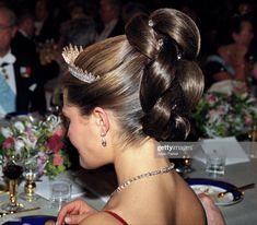 Crown Princess Victoria Of Sweden Attends The Nobel Prize Banquet At. Royal Crowns, Royal Tiaras, Royal Jewels, Crown Jewels, Princess Victoria Of Sweden, Crown Princess Victoria, Crown Princess Mary, Royal Hairstyles, Tiara Hairstyles