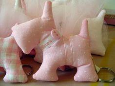 bomboniere battesimo cagnolini bomboniere battesimo cagnolini rosa stoffa cotone imbottitura,passamaneria,bottoni cucito
