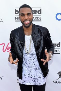 Jason Derulo looking like an effing BABE at the 2014 Billboard Music Awards
